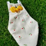 Zaza also has a sweet red tulip flight diaper suit, with a yellow rose Oriental knot.