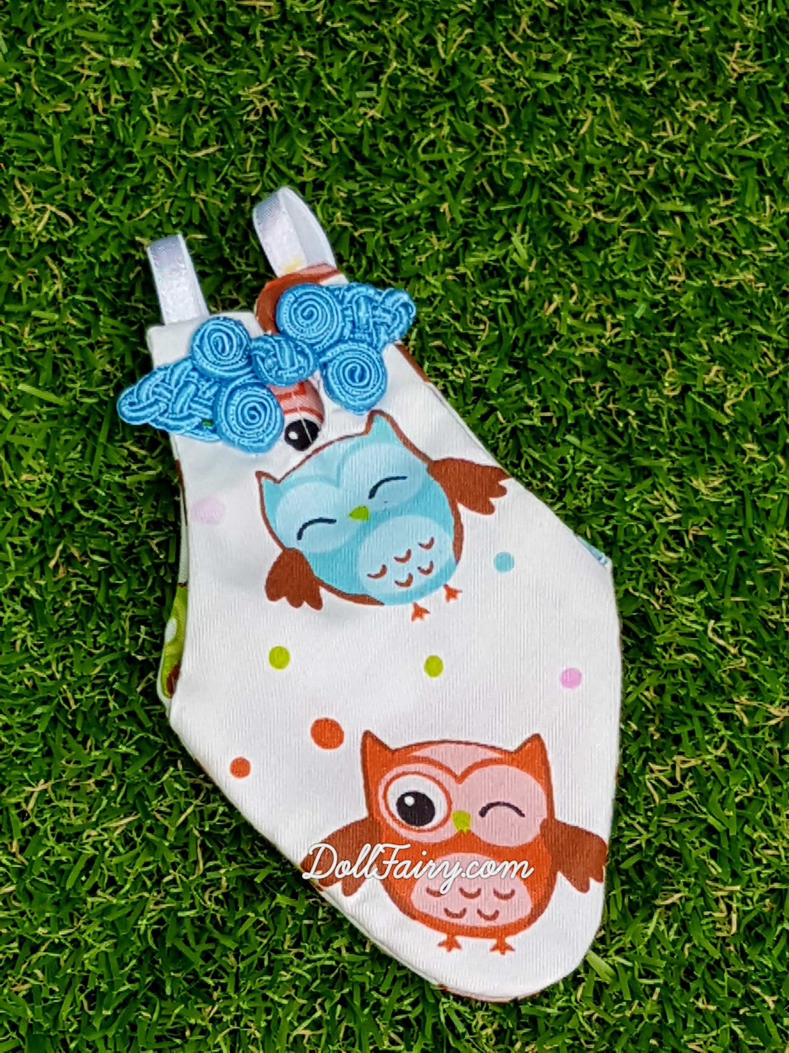 Comical owls cheongsam with blue oriental knot for a Yellow Sided Conure.